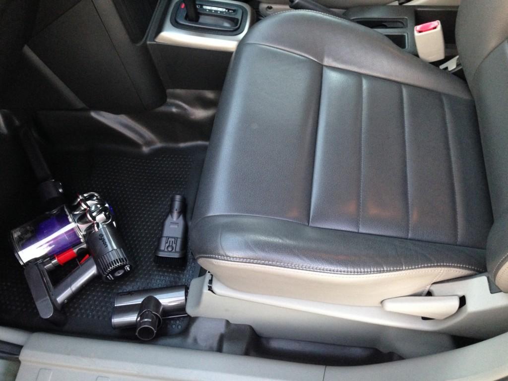 車内掃除こそ、ダイソンdc61の真価が発揮する!